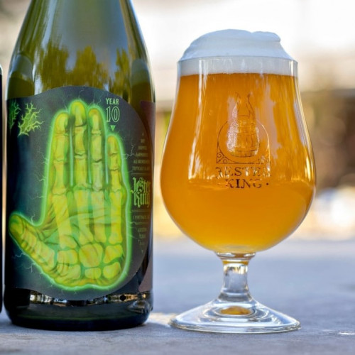 10 Year Anniversary Dry Hopped Farmhouse Ale With Oats And Triticale 750ml